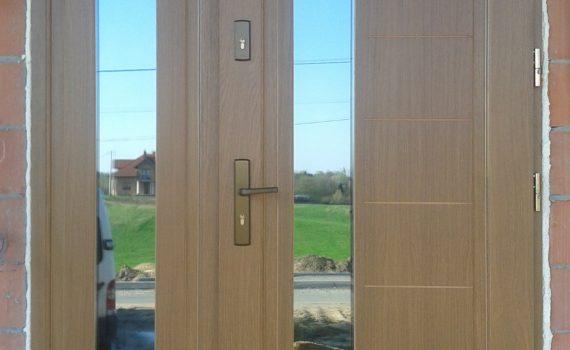 swiat-okien-lezajsk-realizacje-drzwi-zewnetrzne-1